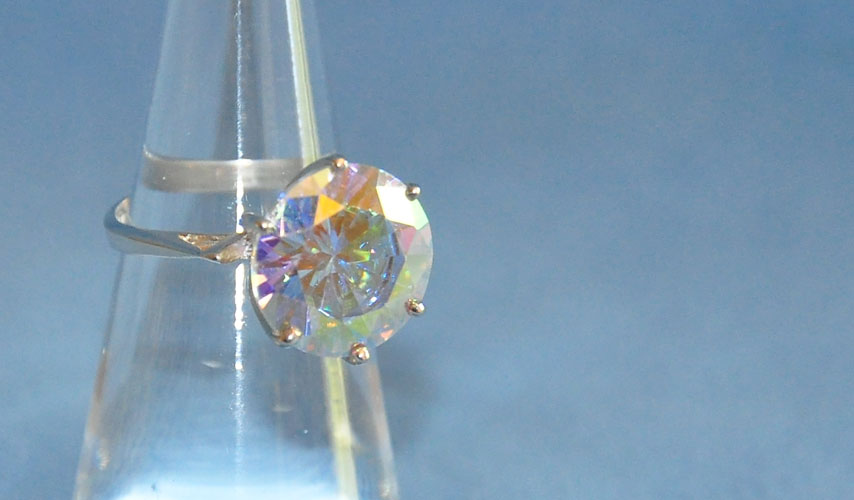 CELEBRITY COLLECTION 3 ROUND STONES MERCURY MIST RING 5.50 CTS.